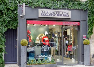 décor-facade-Napapijiri-Larochelle